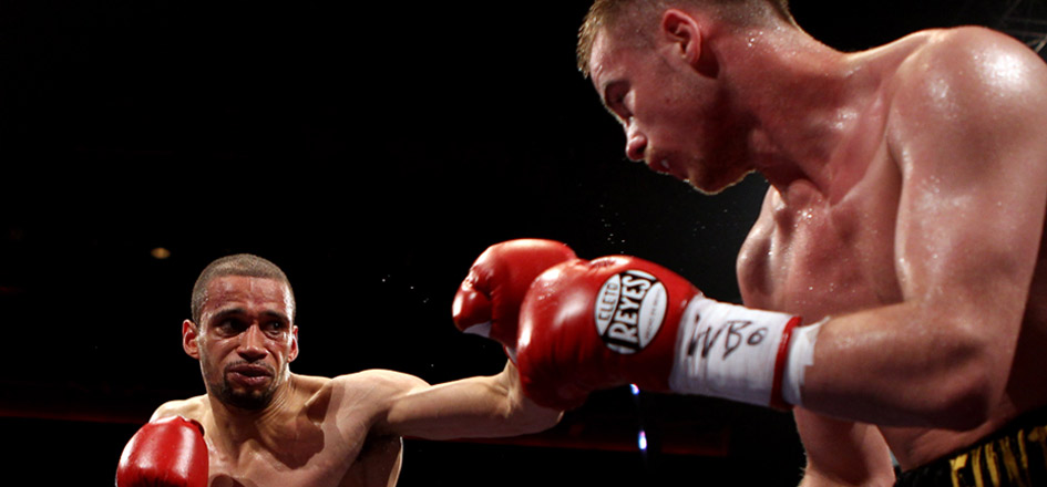 Boxer Woodhouse Tracks Down Twitter Troll