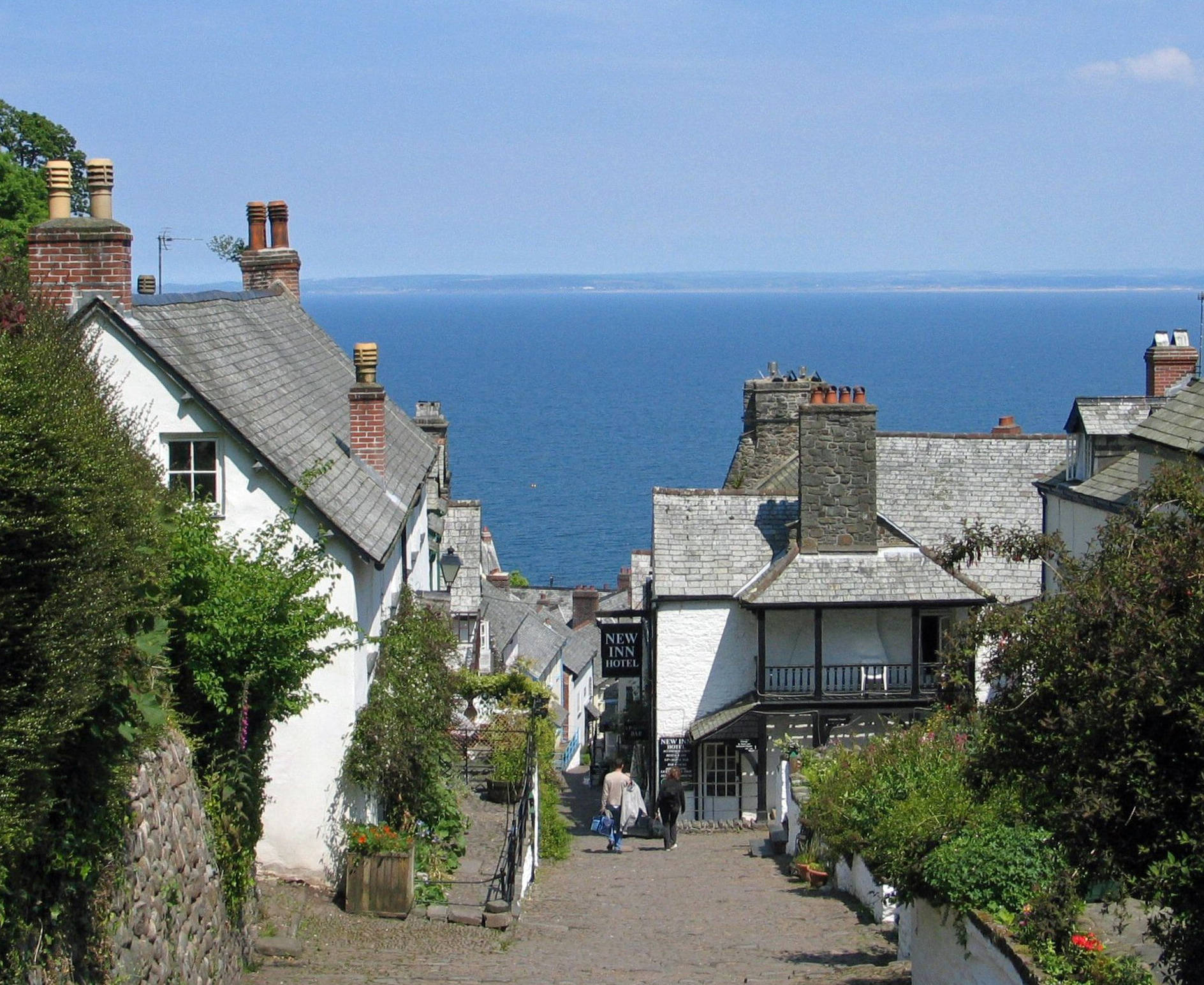 narrow lanes in clovelly