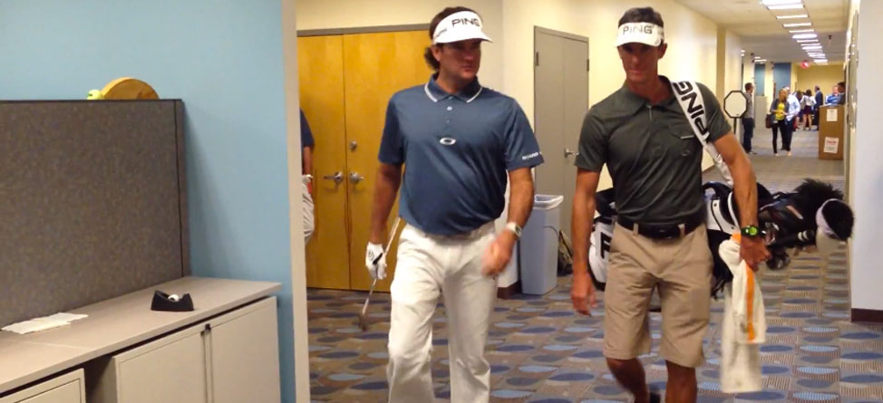 Bubba Watson Plays Through an Office Cubicle