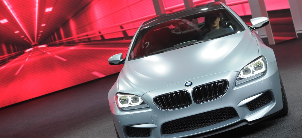 Golfers Racing BMWs for Cash? It Should Happen