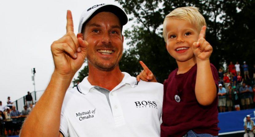 Henrik Stenson Supplants Tiger Woods Atop FedExCup Standings