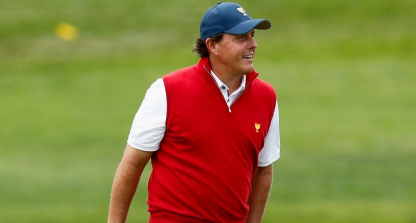 Phil Mickelson Turns In Shot of the Day at Presidents Cup