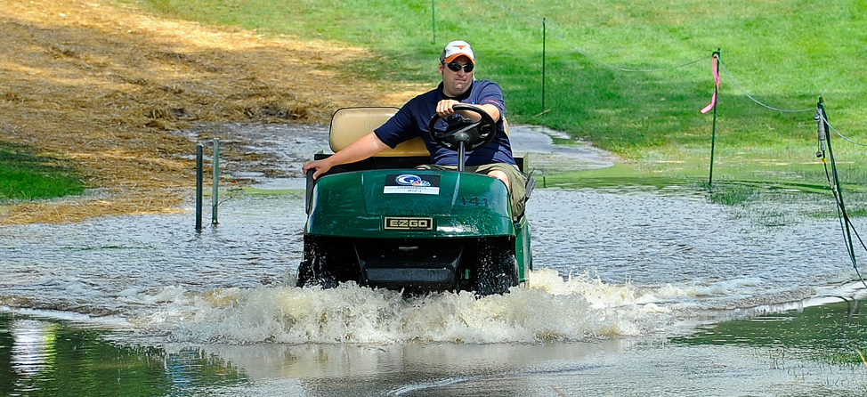 Golf_Cart_Water_Feature1