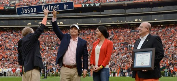 Jason Dufner Gets Own Street, Watches Auburn Win Again
