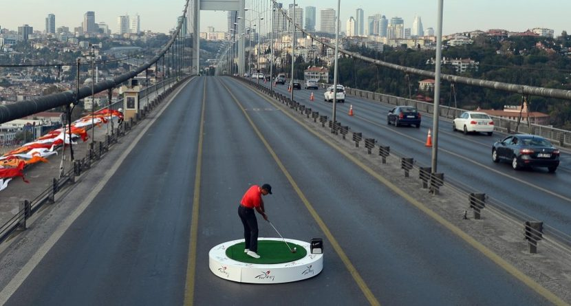 Yes, Tiger Woods Factored Wind into Bridge Shots