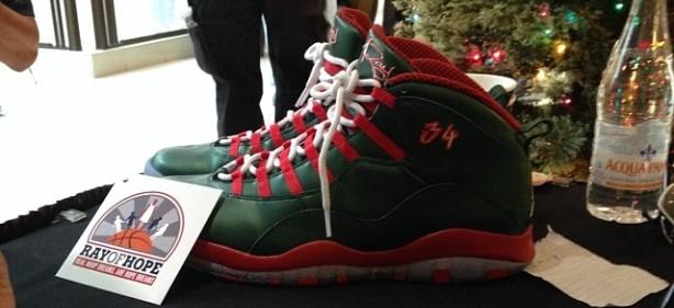 Ray Allen Shows Off Christmas Kicks