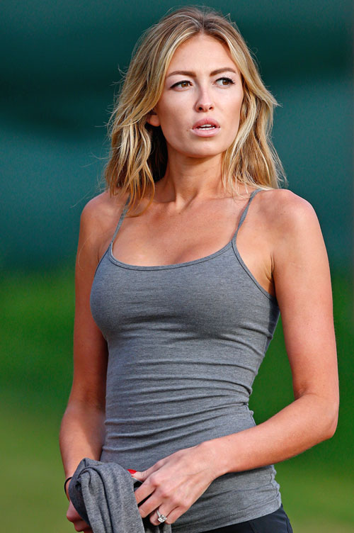 Paulina_Gretzky_Hawaii_Article