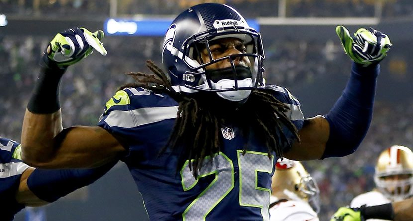 Seahawks CB Richard Sherman's Golf Swing Isn't That Bad