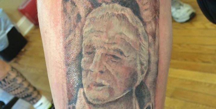 Rabid Fan Gets Tattoo of Arnold Palmer Can on His Leg