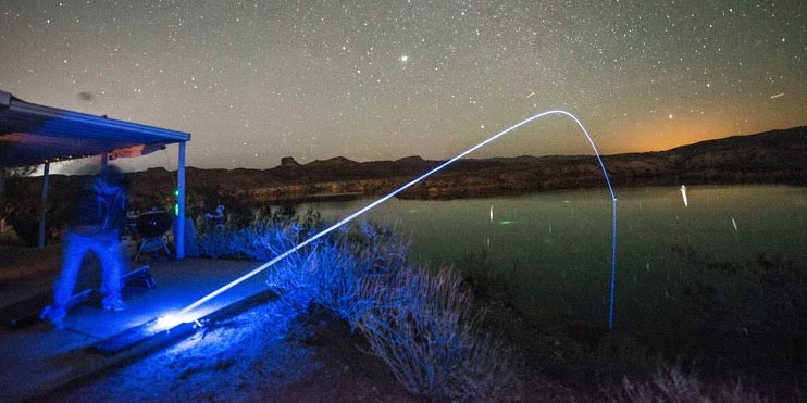 Night-Golf Balls Light Up On Impact