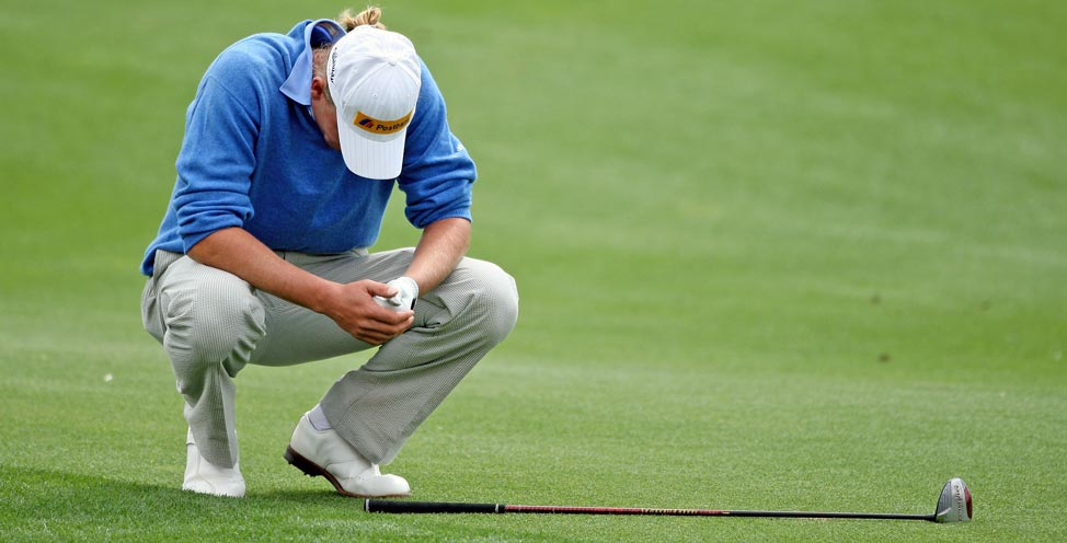 9 of the Worst Golf Shots In History