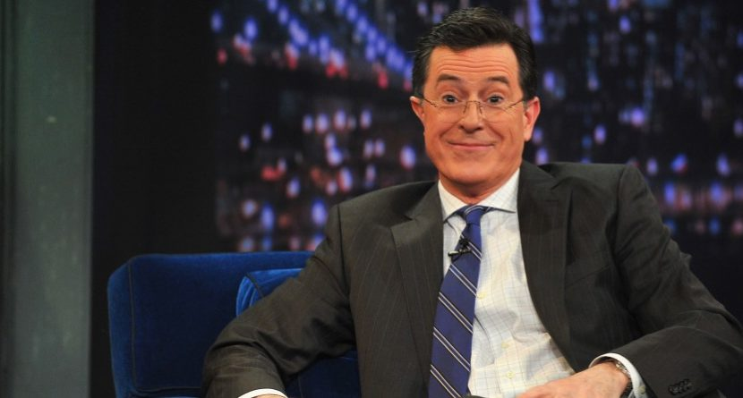 Stephen Colbert Talks, Mocks Golf in 'Sport Report'