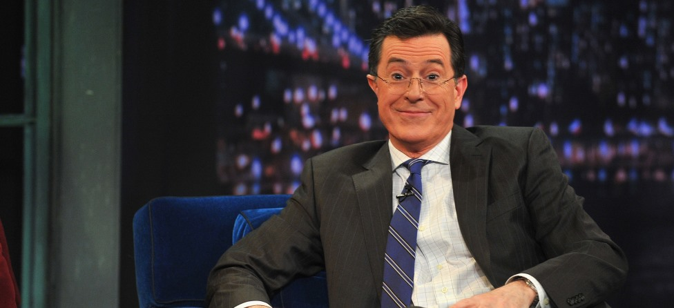 Stephen Colbert Talks, Mocks Golf in 'Sport Report'