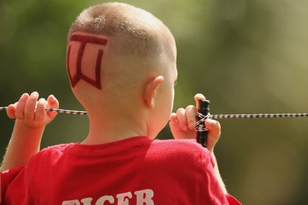 TW logo shaved on boys head 600 2