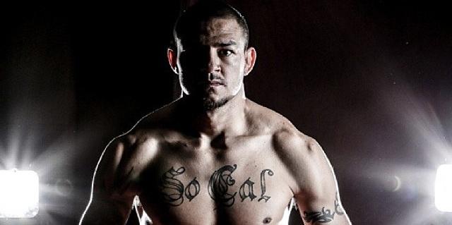 PowerBilt Signs MMA Star to Golf Line