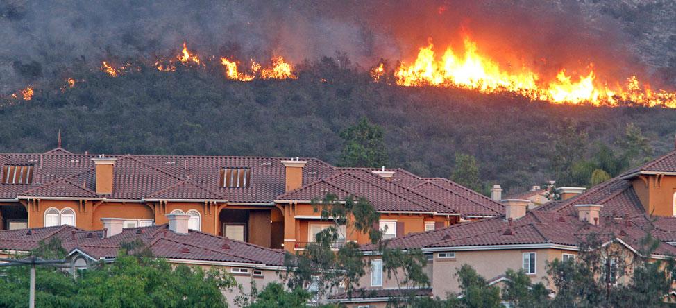 Golf Companies Evacuate Due to Carlsbad Wildfire