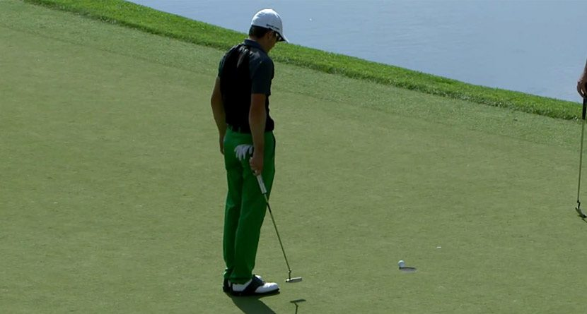 Cliffhanger: Scott Langley's Putt Hangs on for Dear Life