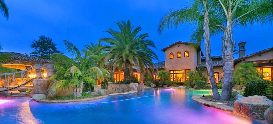 LaDainian Tomlinson Sells Mansion With Putting Green, Bunker