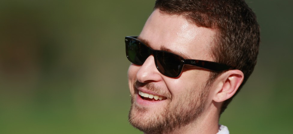 Justin Timberlake Surprises Fan With Mini Golf, Beer And Nachos