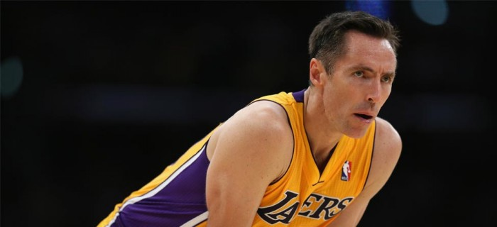 Injured Steve Nash Takes Swings At TopGolf, Lakers Fans Not Happy