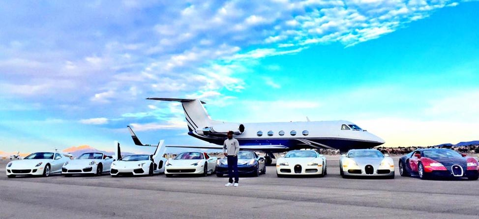 Floyd Mayweather Takes $287.94 Million Photo