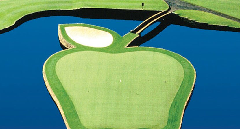 9 Best Island Holes in Golf