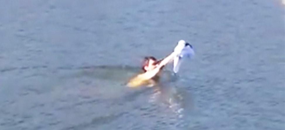 College Golfer Swims To Wayward Shot