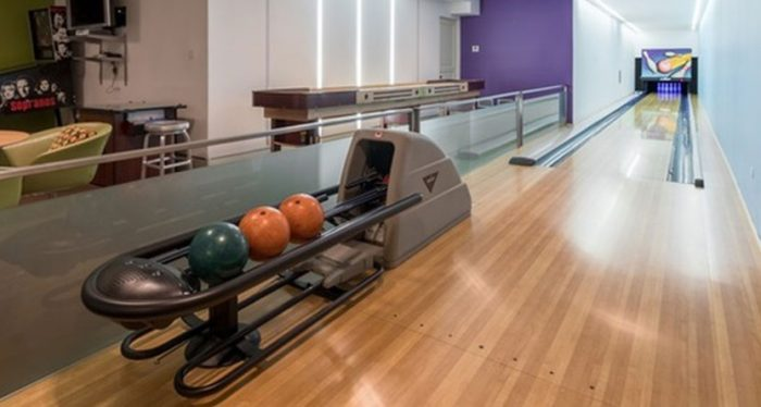 For Sale Sluman S Mansion With Bowling Alley