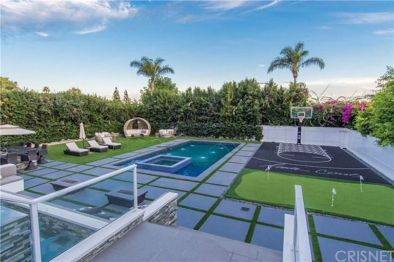 deandre-jordan-home-for-sale-pacific-palisades-basketball-court-768x512