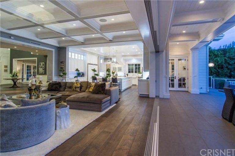deandre-jordan-home-for-sale-pacific-palisades-deck-indoor-outdoor-768x512