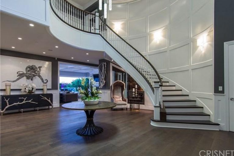 deandre-jordan-home-for-sale-pacific-palisades-fireplace-foyer-768x512