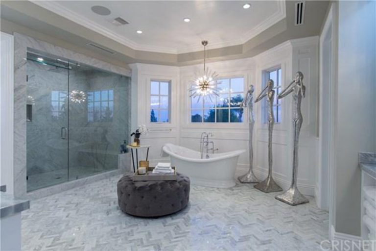 deandre-jordan-home-for-sale-pacific-palisades-master-bathroom-tub-768x512