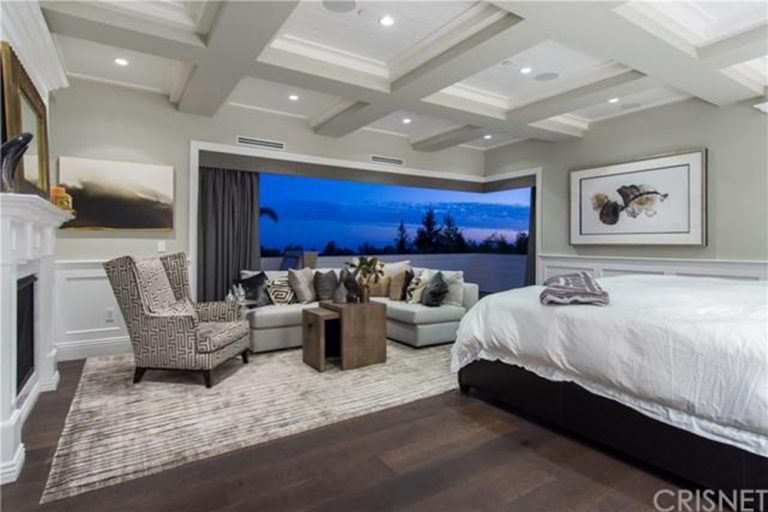 deandre-jordan-home-for-sale-pacific-palisades-master-bedroom-window-768x512