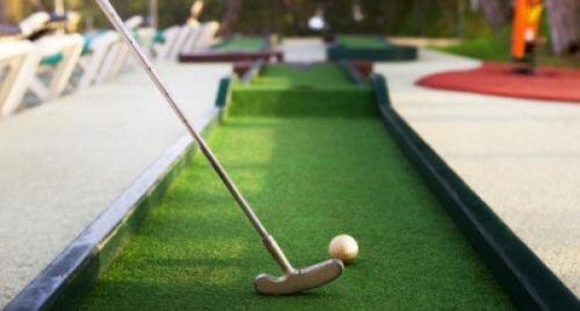 12 Unbelievable Mini Golf Shots