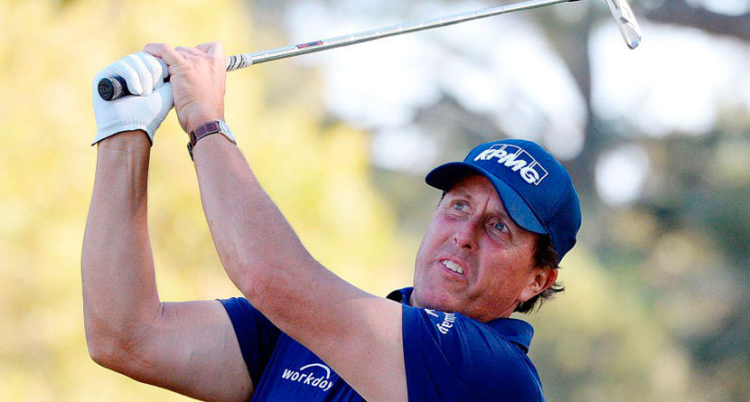 Unmarked Ball Costs Phil Mickelson Over $100,000
