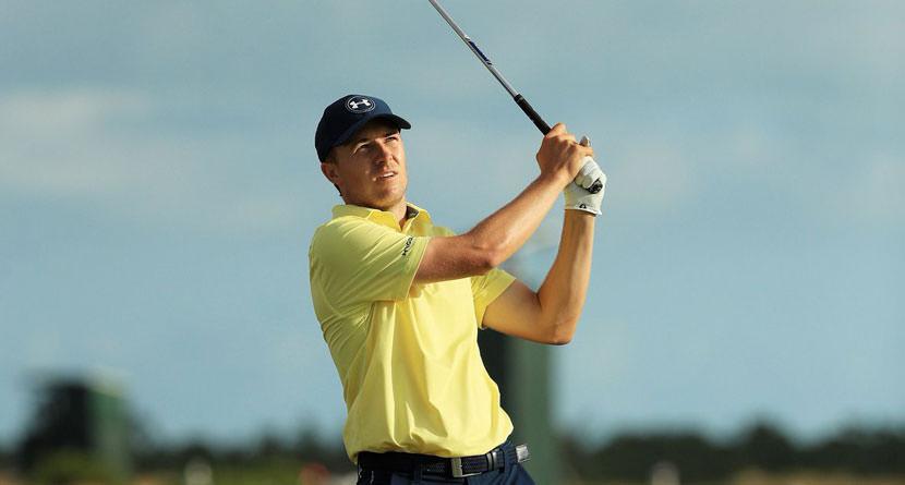 Jordan Spieth Makes Awesome Golf Simulator Ace