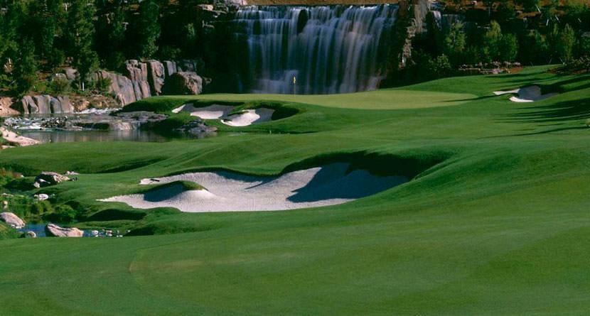 Iconic Wynn Golf Club in Las Vegas Quietly Closes