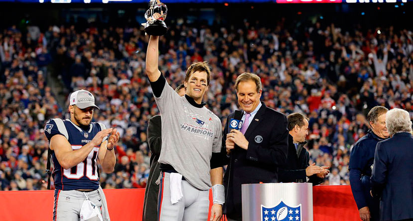 Brady Compares Himself to Tiger After Victory