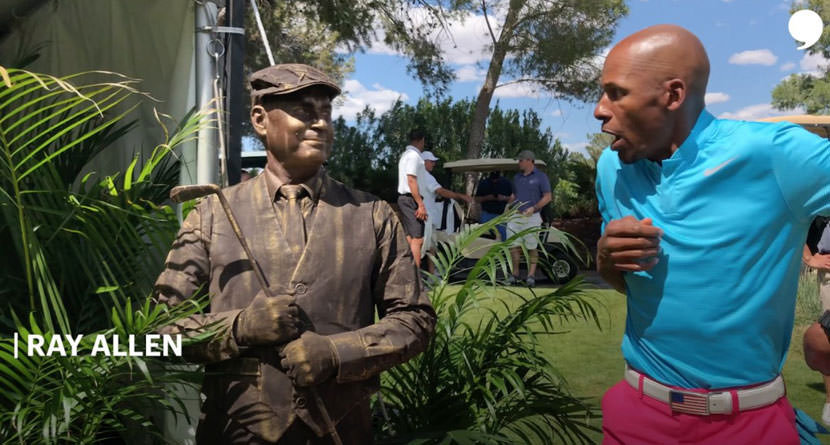 Statue Hilariously Terrifies Golfers At Derek Jeter's Event