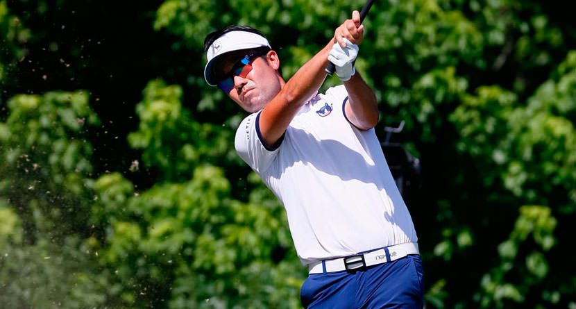 Kevin Na Chips In For Lead Following Heated Exchange With Caddie
