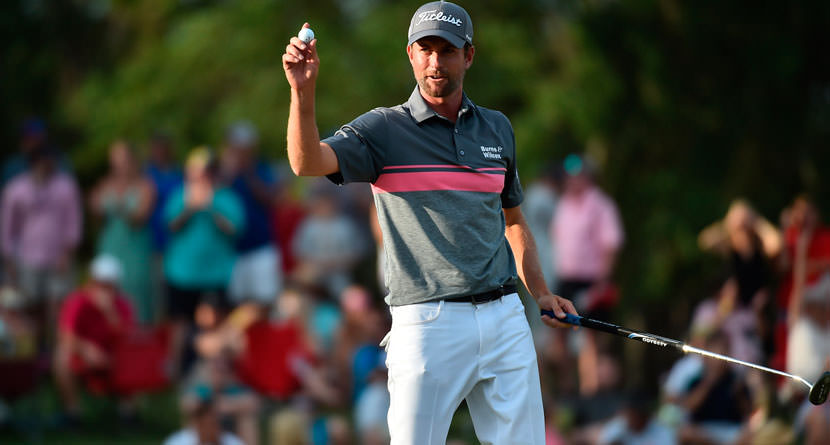Webb Simpson Makes Incredible Bunker Shot, Leads By 7 Strokes