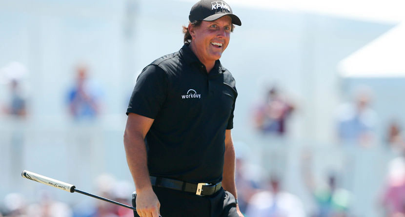 Mickelson Apologizes For Antics At U.S. Open