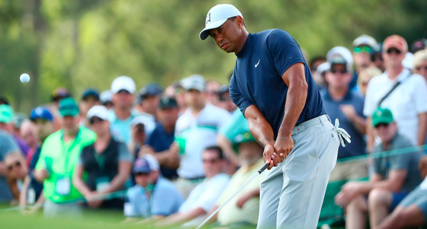Tiger Pulls Off Vintage Recovery To Temporarily Tie Masters Lead