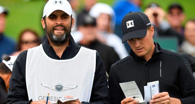Spieth's Caddie Receives Amazing Gesture From Colleagues