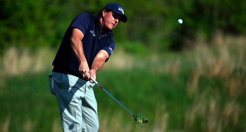 Mickelson Avoids Serious Elbow Injury At PGA