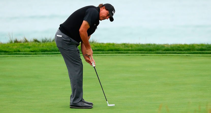 Mickelson Misses 18-Inch Putt At U.S. Open