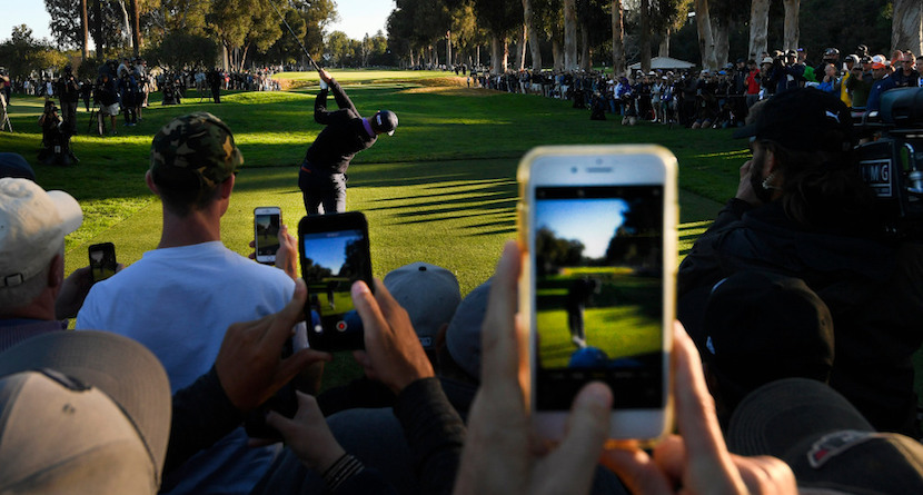 Here's How You Follow A Golf Tournament