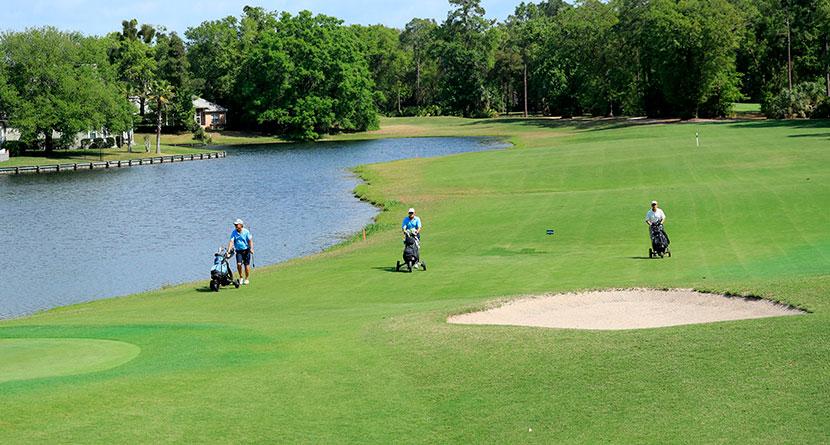 Golfers, Courses Ignoring Shutdown Orders