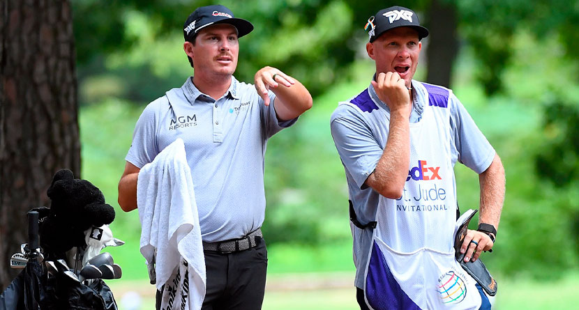 Caddie Shares Hilarious Tour Of US Open Living Arrangements