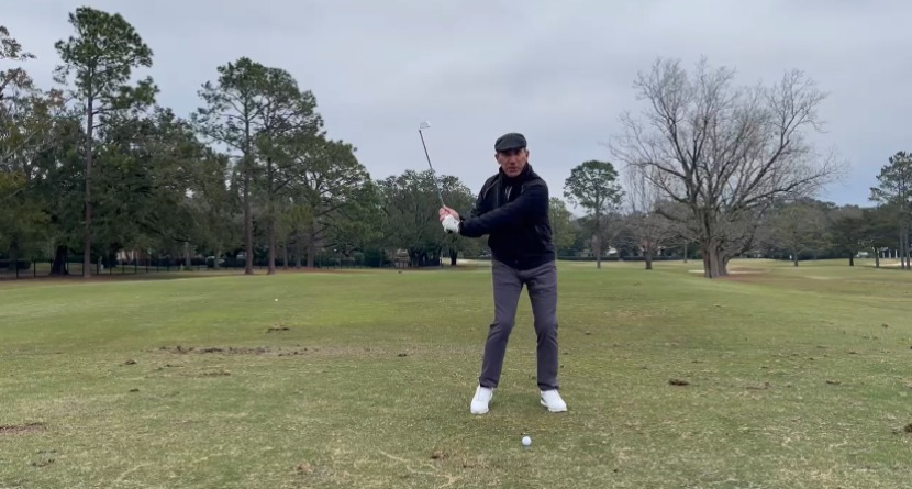 Monitoring Your Footwork To Maintain And Improve Your Golf Swing